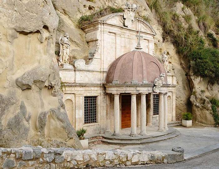 08 Sant'Emidio alle grotte